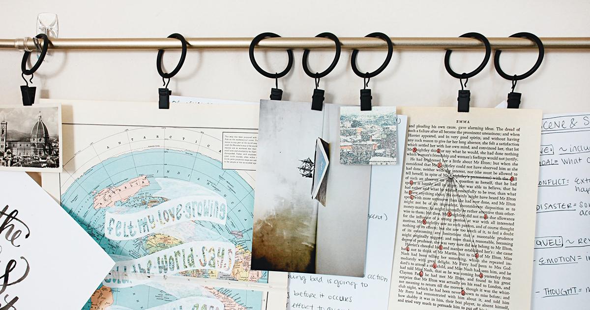 Képek és feljegyzések lógnak a falon